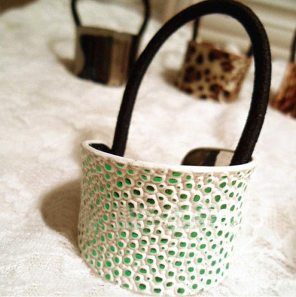 Spona pro tvorbu copu kovová podkova - 8 variant - zelená ještěrka