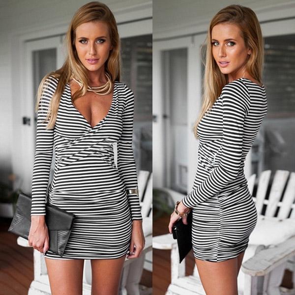 cda4d0fa46f ... Dámská móda a doplňky - Dámské mini šaty s výstřihem