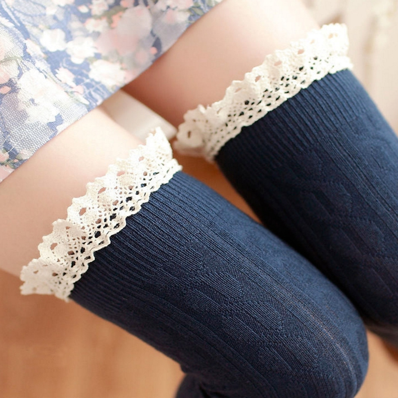 Dámské pletené nadkolenky s krajkou - modré
