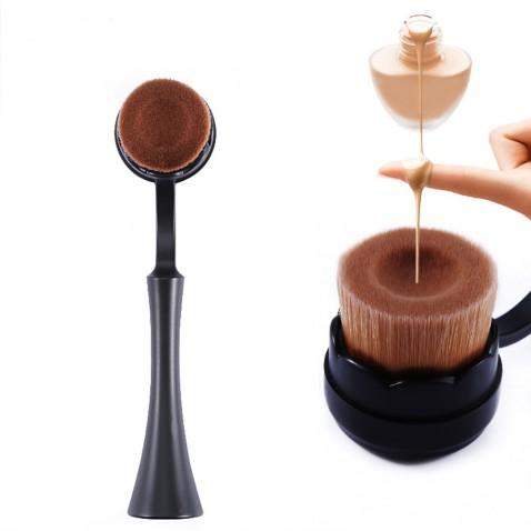 Kosmetický štětec na make up - plochooválný kartáč