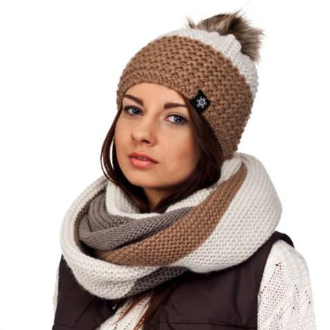 Zimní pletená čepice s bambulí -  béžová mix