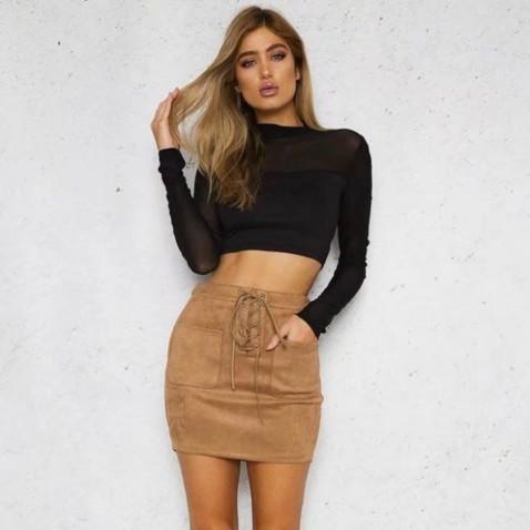 Stylová sukně s vysokým pasem