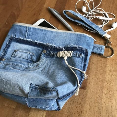 Kosmetická taška džínová s poutkem