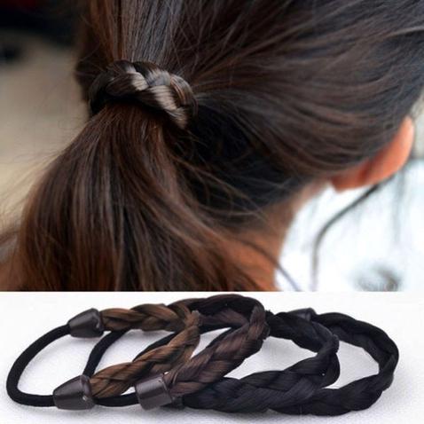 Gumička do vlasů s pletenými vlasy
