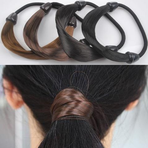 Gumička do vlasů s vlasy