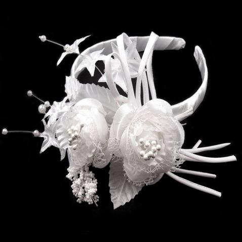 Svatební čelenka s květinami