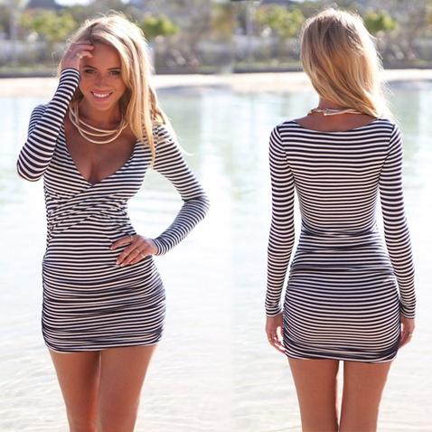 Dámské mini šaty s výstřihem